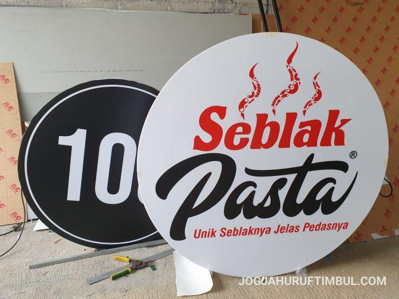 Jasa Pembuatan Neon Box di Lumajang Paling Murah dan Profesional