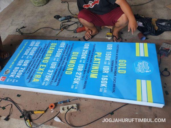 Jasa Pembuatan Neon Box di Nganjuk Paling Murah dan Profesional